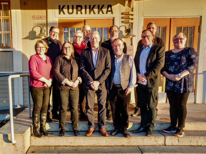 Hallintoneuvosto ja hallitus 3.11. by Lauri R-K